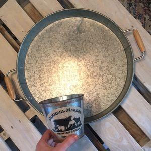 Farmhouse galvanized tray bucket set